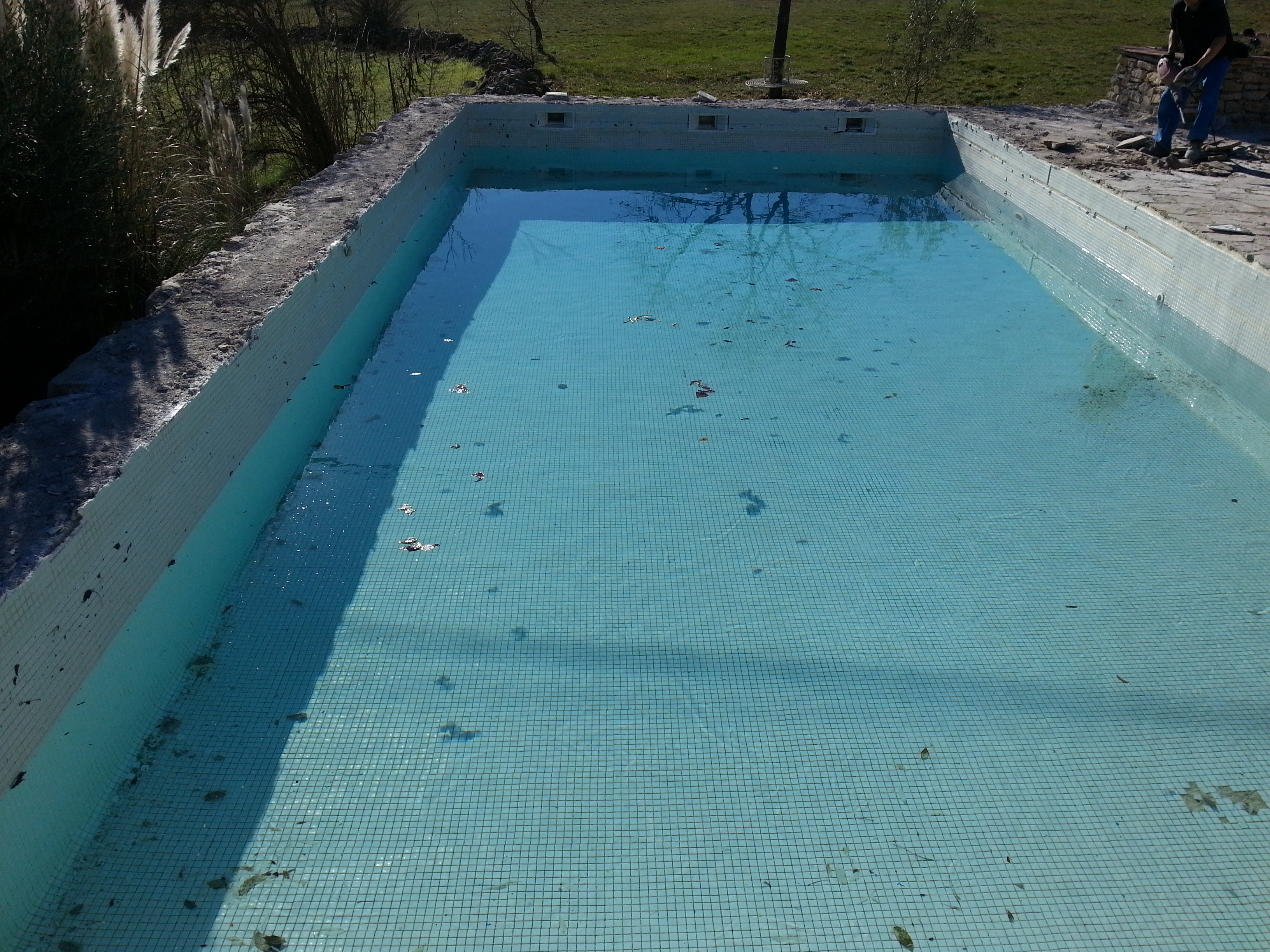 Installation piscines n mes gepad piscines 30 000 n mes for Construction piscine kit